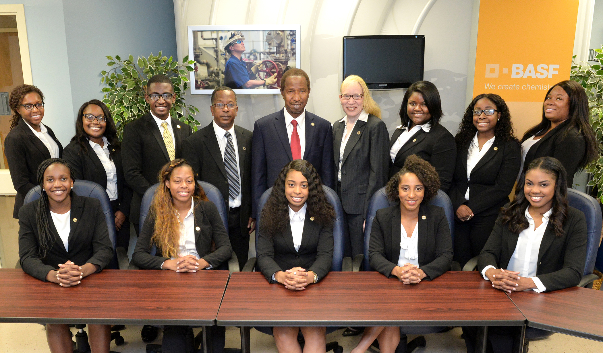 SU scholars and representatives recently attended the Thurgood Marshall College Fund Leadership Institute in Washington, D.C. Pictured: (left to right - seated) - Daria Bentley, Chloe Horton, Jovanie Smith, Ambrosia Williams, and Paige Hall; (left to right - standing) - Rufaro Chirewa, Angela Caston, Anthony Kenney, Eric Pugh (chaperone),  Diola Bagayoko (Honors College Dean/TMCF Campus Coordinator), Tamara Montgomery (Career Services Director/TMCF Liaison), Jasmine Singleton (TMCF Ambassador), Alicia Bulter, and Bolaji Ige. Not Pictured-Justin Alfred and Alex McKee.